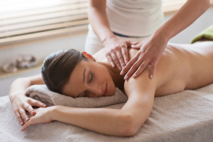 Woman receiving a relaxing mssage